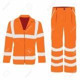 uniforme profissional com faixa refletiva no Aeroporto
