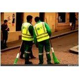 uniformes para auxiliar de limpeza na Casa Verde